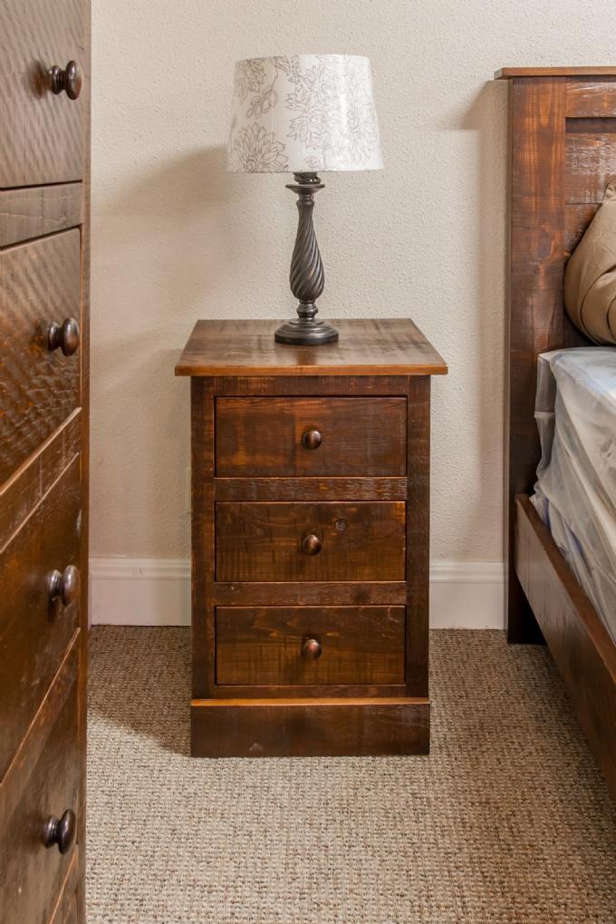 Rustic Pine 7 Piece Pioneer Bedroom Suite Lloyd 39 S Mennonite Furniture Gallery Solid Wood
