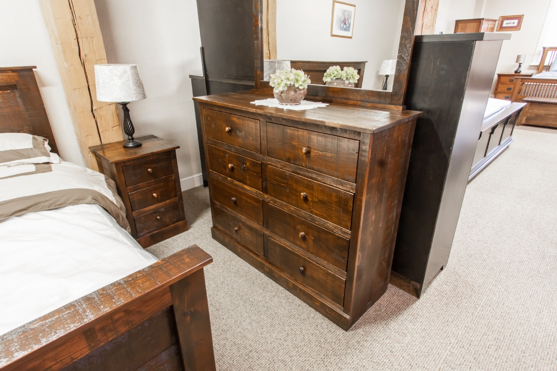 Rustic pine 7 piece pioneer bedroom suite lloyd 39 s for Furniture ontario ca